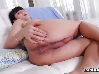 asian trans cutie dream pleases herself